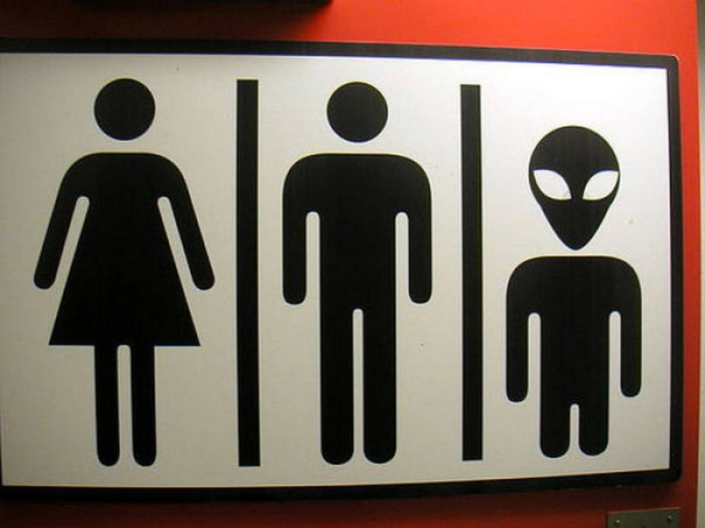 Funny-bathroom-signs-around-the-world