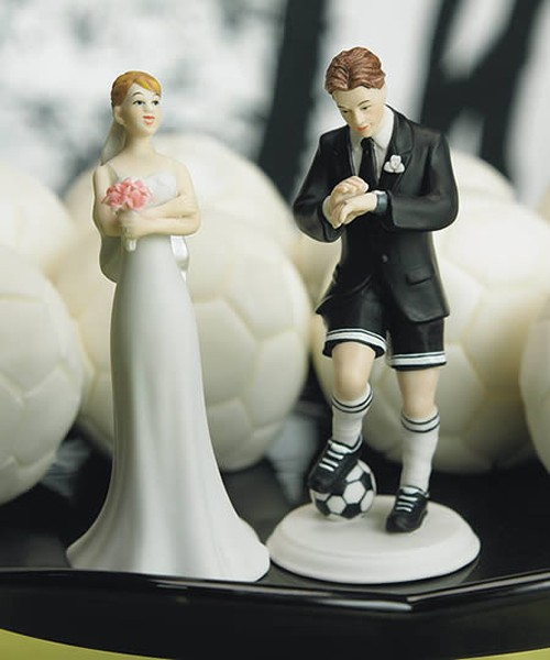 funny-cake-toppers-for-wedding-cakes